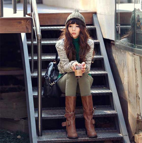 Mặc đẹp ngày lạnh cùng mũ len chóp nhọn phối đồ cực cá tính