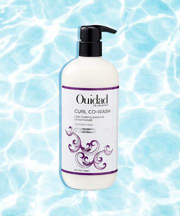 Ouidad Curl Co-Wash giúp làm sạch tóc và giữ cho mái tóc luôn sáng bóng đến kinh ngạc