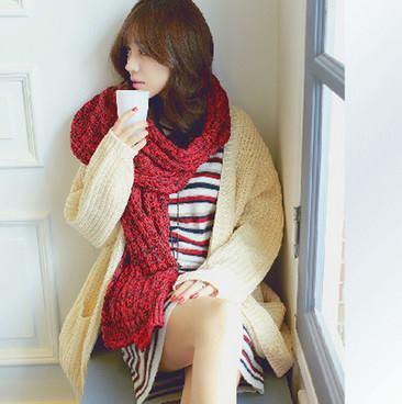 Mặc đẹp ngày đông mà vẫn giữ ấm cơ thể với chiếc khăn len ấm áp