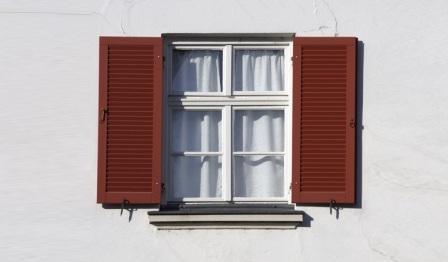 Lựa chọn rèm cửa và cửa chớp để phù hợp phong thủy không phải ai cũng biết