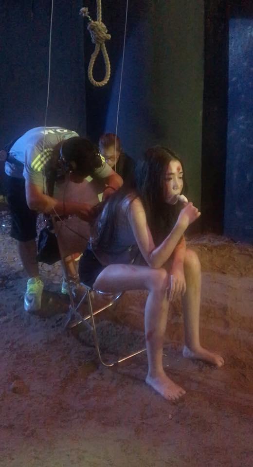 Elly Trần bầm dập sau cảnh quay
