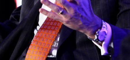 Theo như Ben Clymer, người sáng lập trang web Hodinkee, James Gorman đang dùng đồng hồ nhãn hiệu Rolex Daytona làm bằng thép không gỉ.