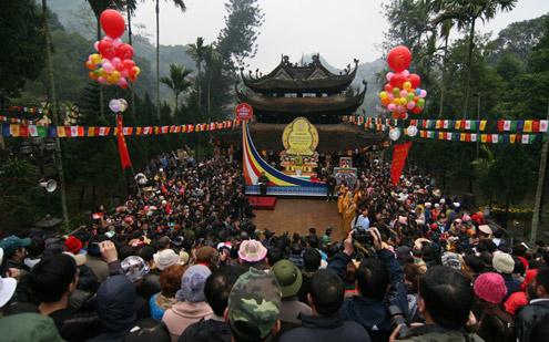 Chùa Hương phủ song wifi miễn phí phục vụ du khách mùa lễ hội 2016