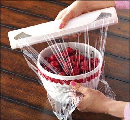 Lựa chọn và sử dụng màng bọc thực phẩm đúng cách hạn chế được mối nguy hại