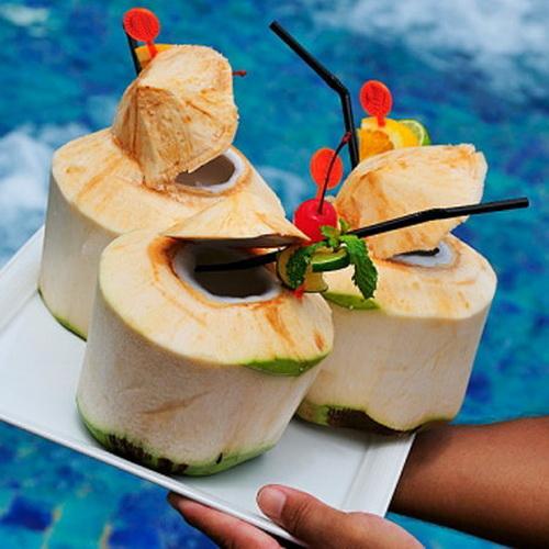 Nước dừa giúp bảo vệ tim mạch, sức khỏe gia đình