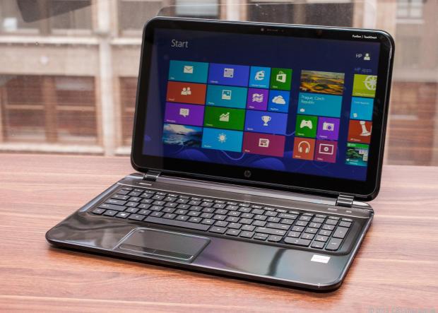 Laptop giá rẻ HP có màn hình nổi ấn tượng