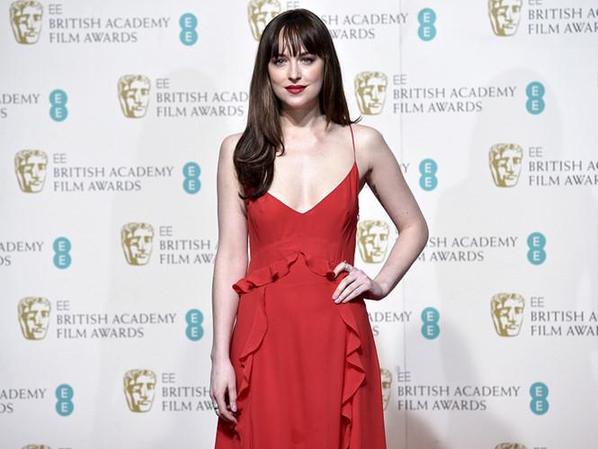 Nữ chính phim 50 sắc thái 'lao đao' vì đóng cảnh bạo dâm trong suốt 7 giờ