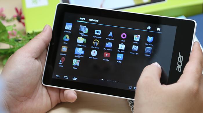 Người dùng trải nghiệm cảm ứng tuyệt vời với chiếc máy tính bảng giá rẻ Acer Tab B1 740