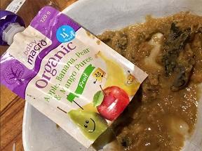 Nấm mốc trong gói thức ăn hữu cơ vị trái cây cho bé của hãng  Woolworths
