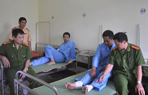 Các chiến sĩ CSGT luôn cảm thấy bị áp lực, căng thẳng trong công việc và chưa nhận được sự chia sẻ từ người dân. Thực tế, không ít trường hợp phải tìm đến các bệnh viện thâm thần để khám bệnh và lấy thuốc an thần.
