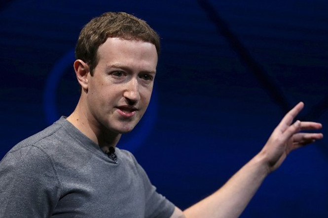 facebook-vuong-scandal-lon-nhat-trong-lich-su-mark-zuckerberg-bi-yeu-cau-tu-chuc