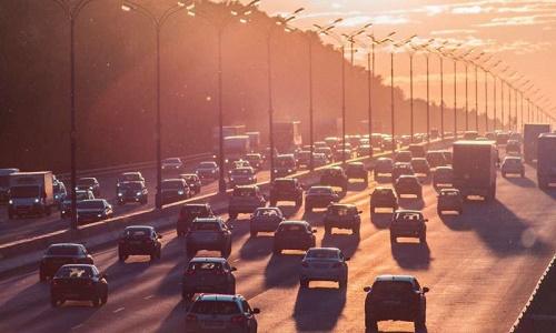 Vấn nạn ô nhiễm không khí đang gia tăng người mắc bệnh về tim mạch và phổi trên toàn cầu. Ảnh: Phys