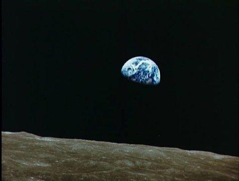 Mặt trăng đã làm cho thời gian trên Trái đất thay đổi. Ảnh: sciencedaily