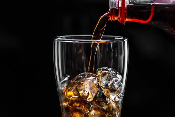 Rượu là thức uống gây ảnh hưởng không nhỏ tới não