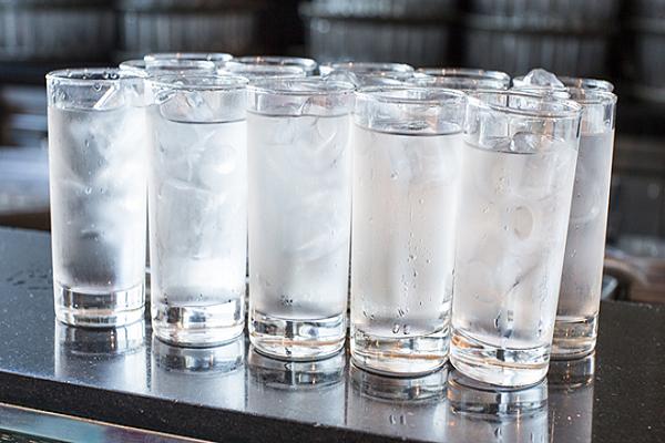 Những loại nước không nên uống khi thời tiết nắng nóng