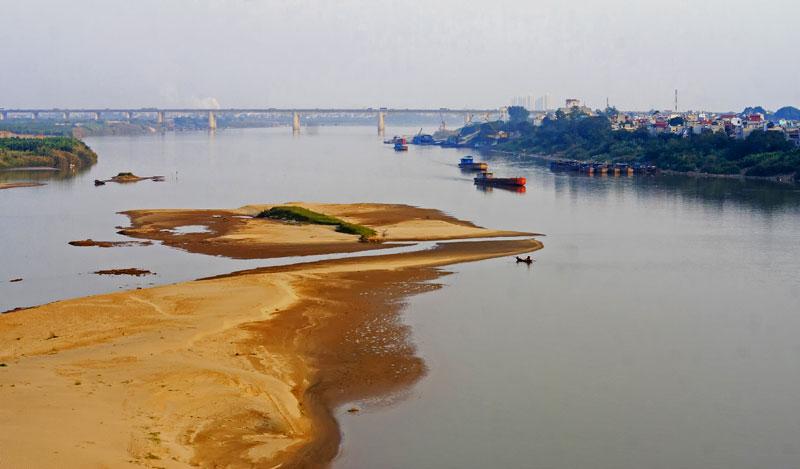 Siêu dự án giao thông tủy xuyên Á trên sông Hồng và kết hợp thủy điện trước đó đã gây lo ngại cho hàng loạt nhà khoa học