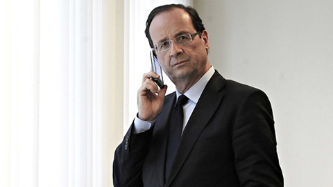Tổng thống Pháp François Hollande rất yêu thích chiếc iPhone 5