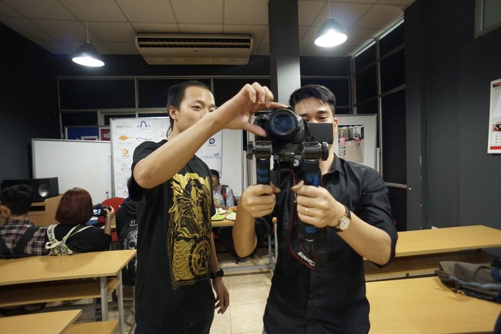 Dùng máy ảnh để quay phim, nên hay không nên? - ảnh 2