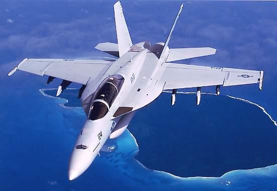 Hé lộ vũ khí mới trên tiêm kích hạm F/A-18