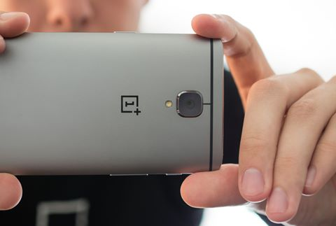 OnePlus 3 - Giá: 400 USD