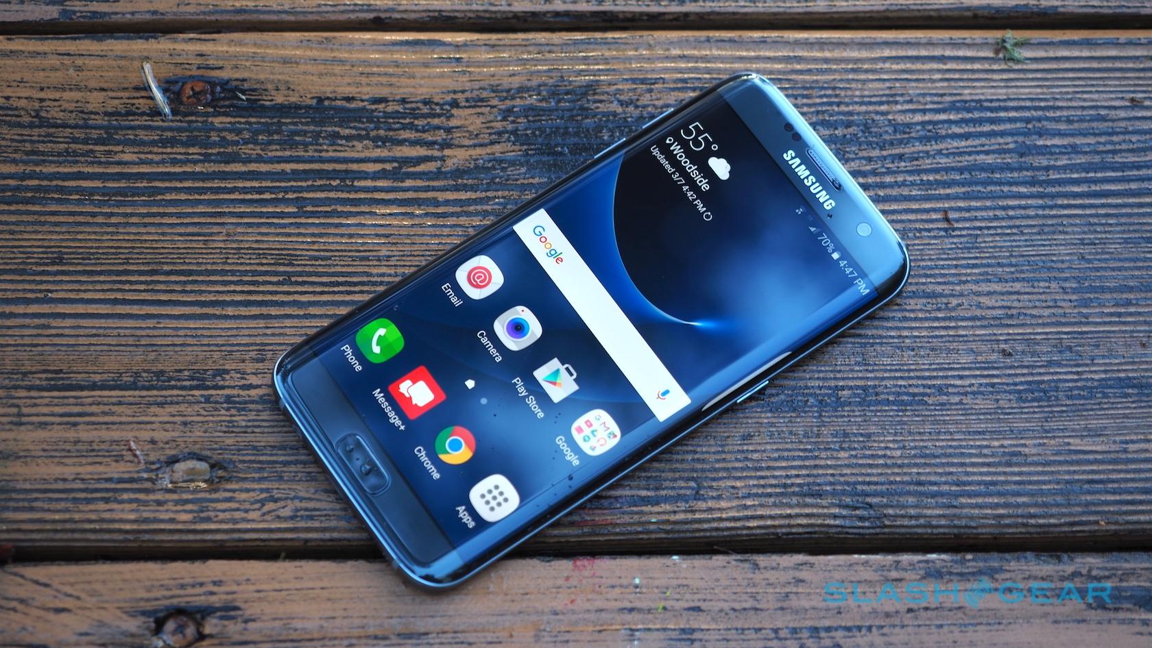 Samsung Galaxy S7 Edge - Giá: 620 USD