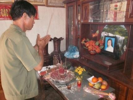 Một trong những học sinh tự tử. Di ảnh của em N.T.C.Nhung - một trong số ba nữ sinh lớp 7 ở huyện Đắk Mil, tỉnh Đắk Nông vừa tự tử cùng nhau.