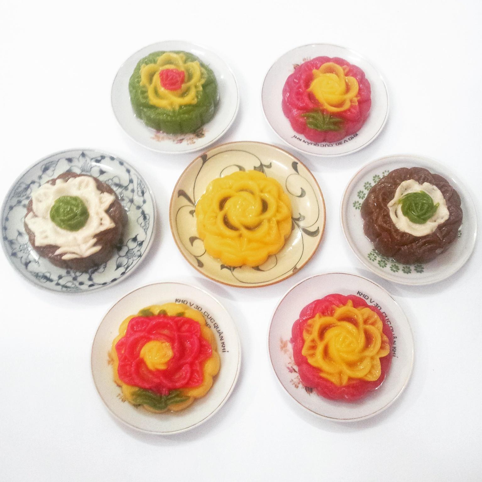 Bánh trung thu handmade nhuộm màu tự nhiên