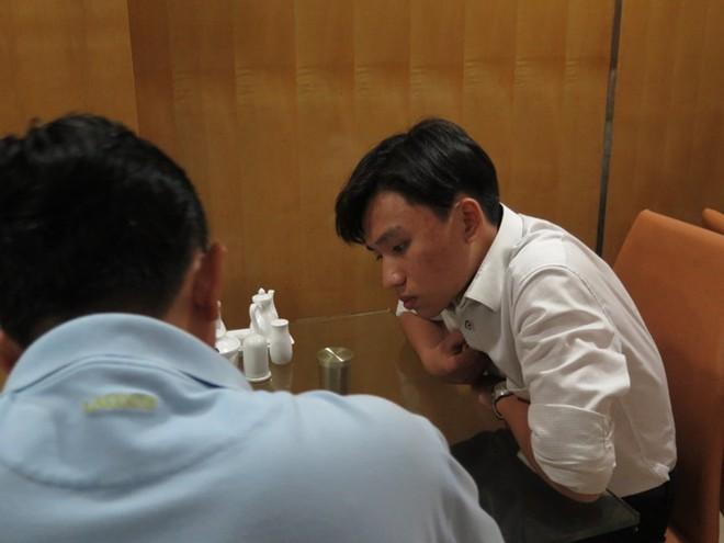 Đột kích ổ mại dâm chân dài tiền triệu ở Sài Gòn