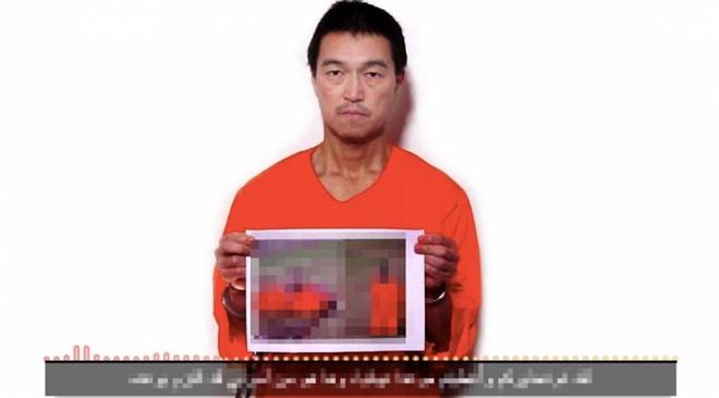 Goto trong đoạn video cho biết con tin Yukawa đã bị IS hành quyết. Ảnh nguoiduatin