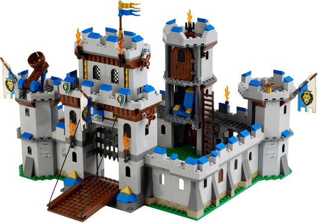 Bộ xếp hình lego là quà 1/6 lý tưởng cho bé trai