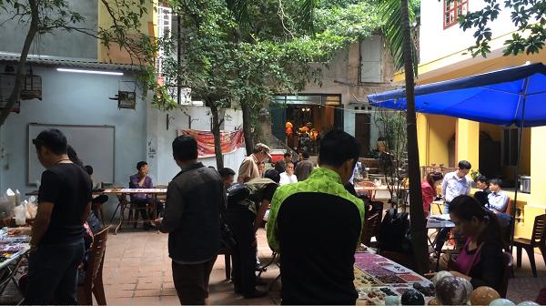Độc đáo chợ phiên đá quý giữa lòng Hà Nội