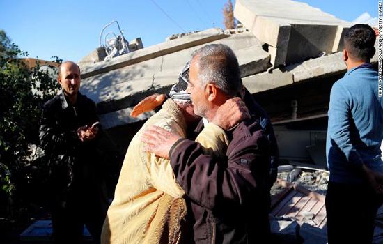 Những hình ảnh tang thương sau trận động đất tại Iran - Iraq