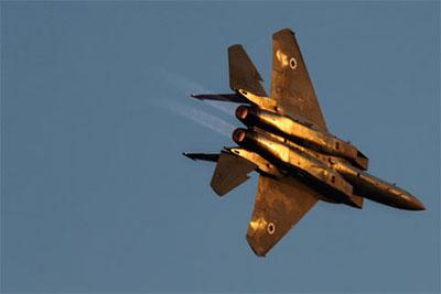 Mỹ không kích vào Syria và ủng hộ phe đối lập của Syria tiêu diệt IS