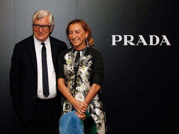 Miuccia Prada. Người phụ nữ quyền lực đứng thứ 75. Tuổi 65. Tổng tài sản: 10 tỷ USD.  Đồng sáng lập, Giám đốc điều hành hãng thời trang Prada, Ý.  Miuccia Prada sẽ có nhiều phát ngôn hơn trong các hoạt động thường ngày của thương hiệu thời trang mang tên bà trong năm nay. Vào giữa tháng hai vừa rồi, Miuccia thông báo rút lui khỏi vị trí chủ tịch của Prada để có nhiều thời gian bên chồng và để đối tác Kinh doanh Patrizio Bertelli là đồng Giám đốc điều hành.