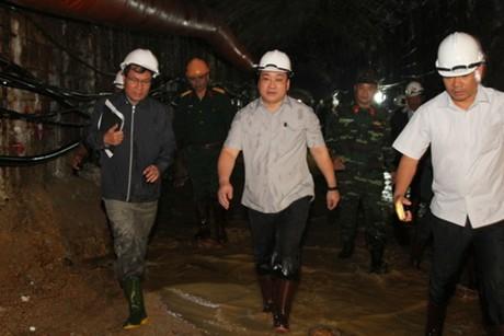 Phó thủ tướng Hoàng Trung Hải chỉ đạo đảm bảo an toàn thi công hầm lò, công trình ngầm