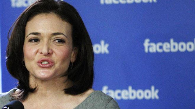 02. Sheryl Sandberg  Người phụ nữ quyền lực đứng thứ 9. Tuổi: 44.  Tổng tài sản: 1 tỷ USD  Giám đốc điều hành của Facebook, Mỹ. Dưới sự lãnh đạo của Sandberg, Facebook đã nâng giá trị là 160 tỷ đồng, cải thiện doanh thu và được tân trang lại chiến lược trên các thiết bị di động.