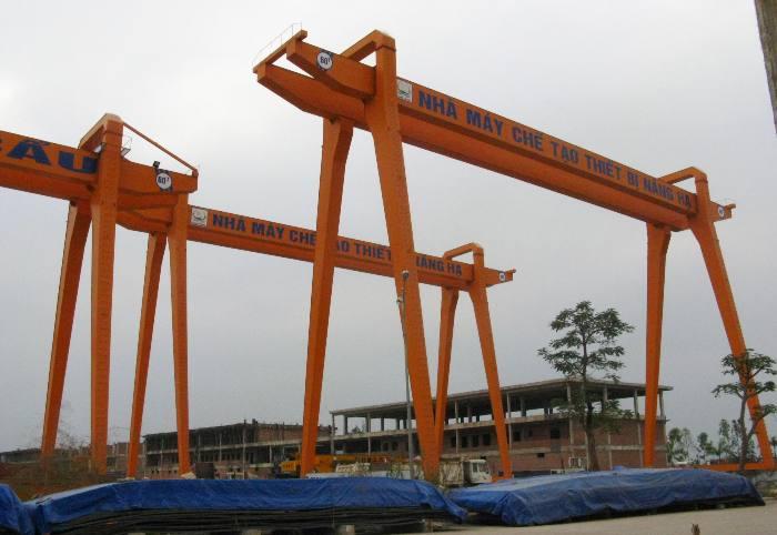 Sản phẩm thiết bị nâng hạ của Xí nghiệp cơ khí Quang Trung.