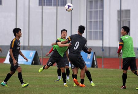 U23 Việt Nam gặp U23 Singapore trong nỗi lo về hậu vệ biên trái