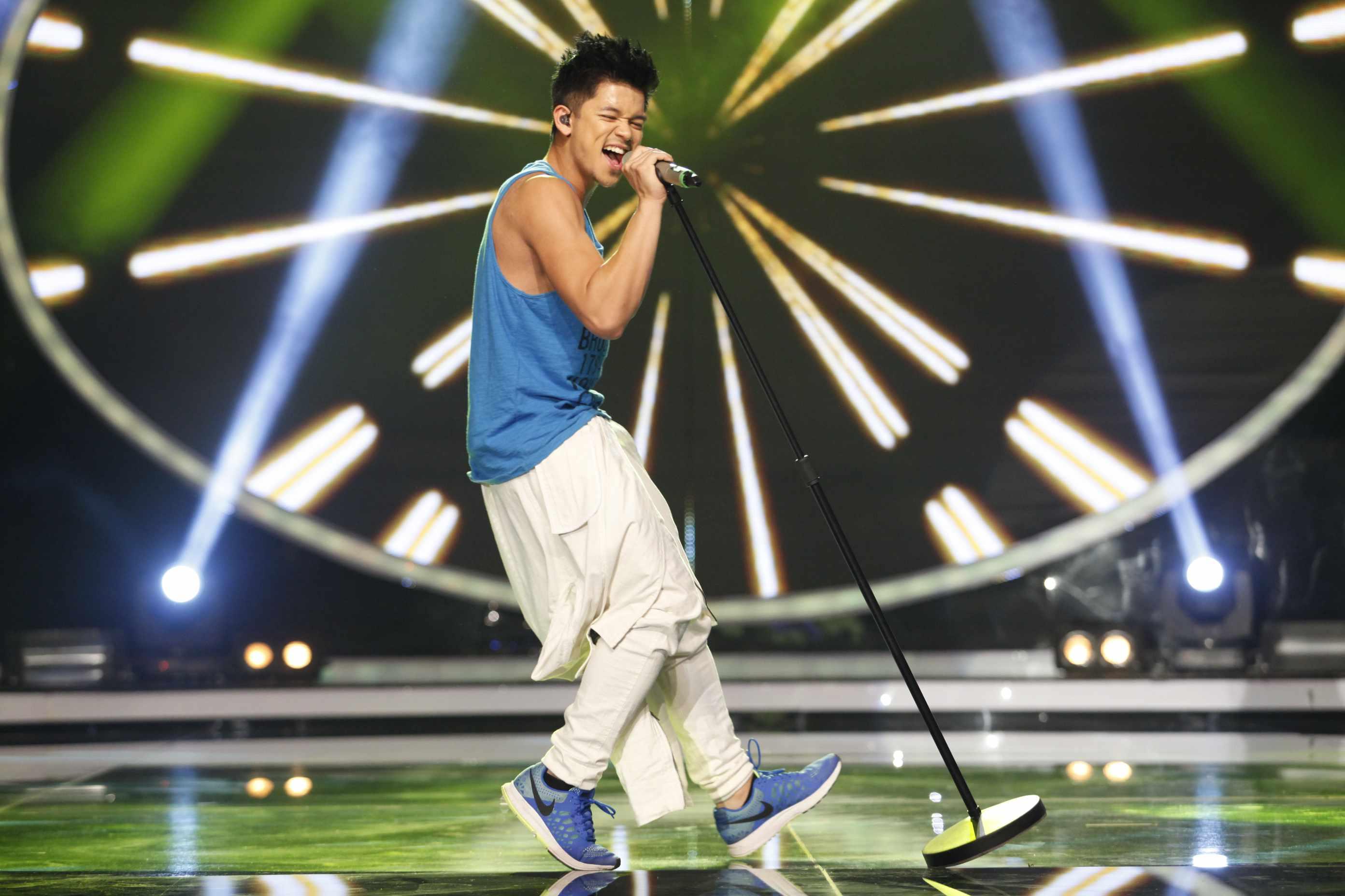 Vietnam Idol 2015 Trọng Hiếu gây ấn tượng mạnh trong đêm thi 24/5