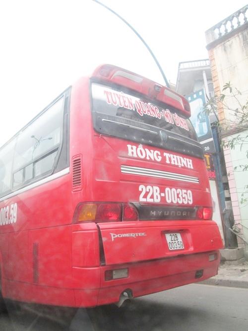 Xe khách về Hà Nôi đông kín khách