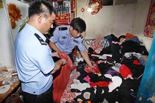 Guang thường ăn cắp đồ lót phụ nữ để ngửi và ngủ cùng. Ảnh Mirror