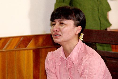 Nước mắt hối hận của thiếu phụ giết chồng khi kể về nguyên nhân dẫn đến vụ án mạng đau lòng