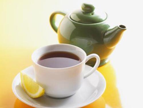 Uống trà xanh hoặc hồng trà giúp giảm căng thẳng mệt mỏi