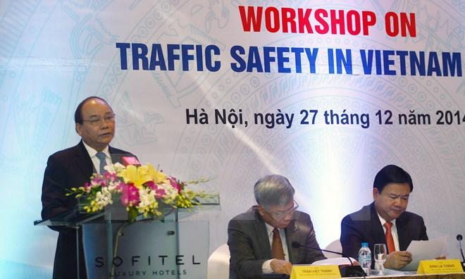 Phó thủ tướng Nguyễn Xuân Phúc chỉ đạo đẩy mạnh ứng dụng KH&CN góp phần làm giảm tai nạn giao thông