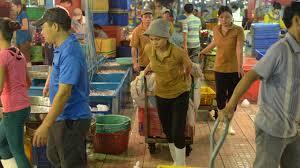 Nữ giới cũng có quyền được lao động để tăng thu nhập, cấm họ vác 50Kg là không hợp lý