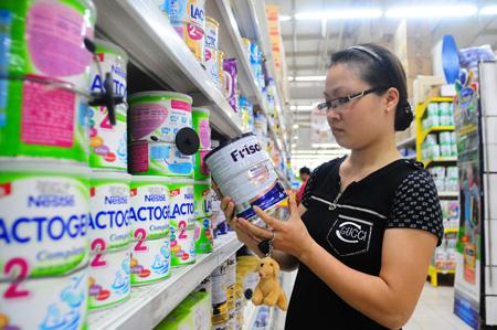 Áp trần giá sữa trẻ em dưới 6 tuổi