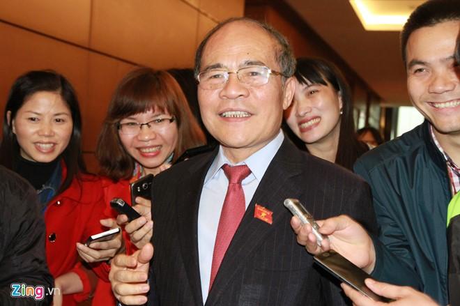 Ông Nguyễn Sinh Hùng nhấn mạnh hoàn toàn hài lòng và đặt niềm tin vào Chủ tịch Quốc hội Nguyễn Thị Kim Ngân