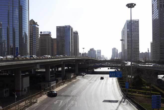 Những con đường ở thành phỗ Bắc Kinh trở nên thông thoáng và vắng vẻ lạ thường dịp nghỉ Tết Âm lịch. Ảnh Vn Express