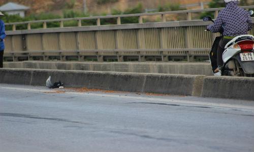 Hiện trường vụ tai nạn giao thông trên cầu Bãi Cháy, Hạ Long