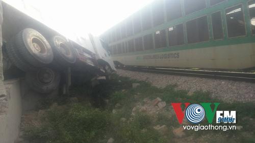 Tài xế thoát chết trong gang tấc trong vụ tai nạn giao thông trên QL1A đoạn qua Thanh Hóa